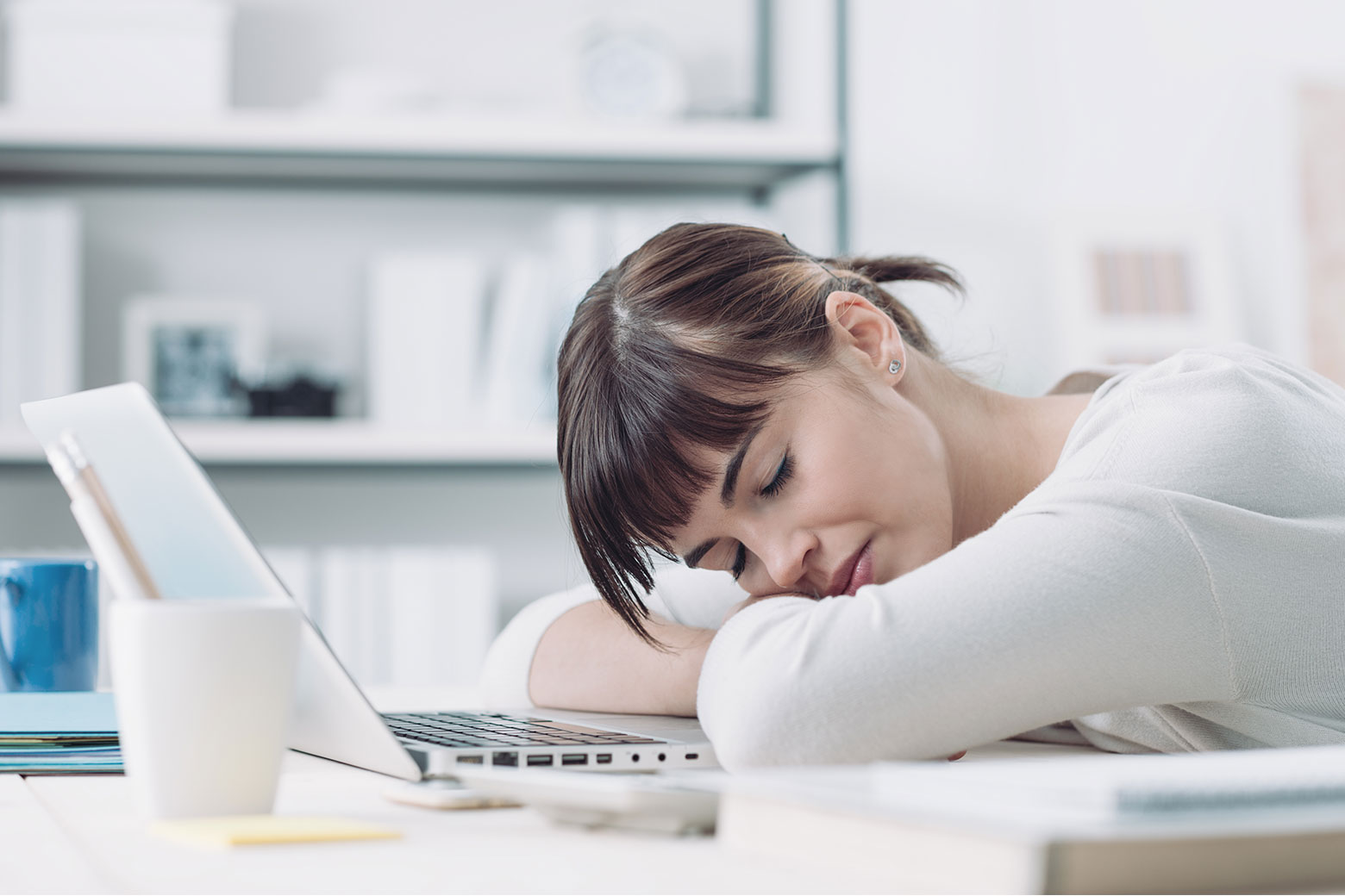 Sleep Deprivation Roadblock To >> The Effects Of Poor Sleep In The Workplace Welcoa